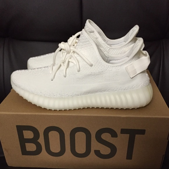 c039b99a46441 Yeezy Boost 350 V2 Cream White Size 9 DS